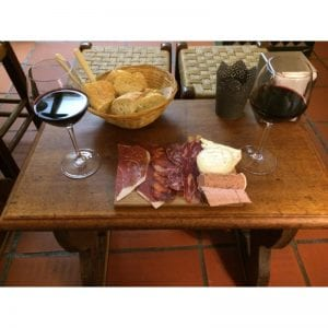 ¡Donde hay vino hay amor! OFERTA: Botella vino + tabla 25€ IVA inc.