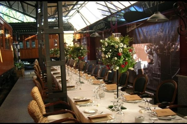 mesa-restaurante-vagon-beni