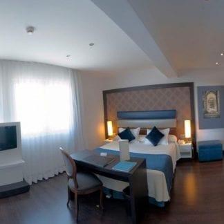 hotel-gran-versalles-en-madrid-romantico-pareja