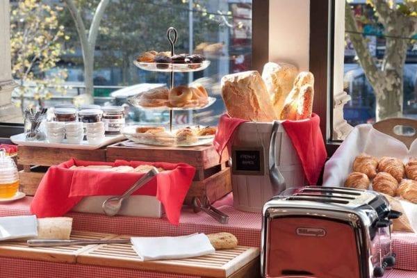 hotel sixtytwo desayuno