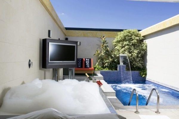 zouk-hotel-madrid-pareja-hotel-adultos
