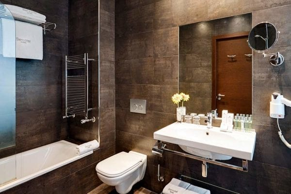 sercotel-coliseo-bilbao-hotel baño